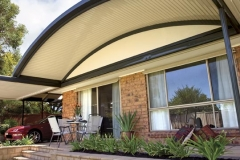 03-curved-patio-verandah-stratco